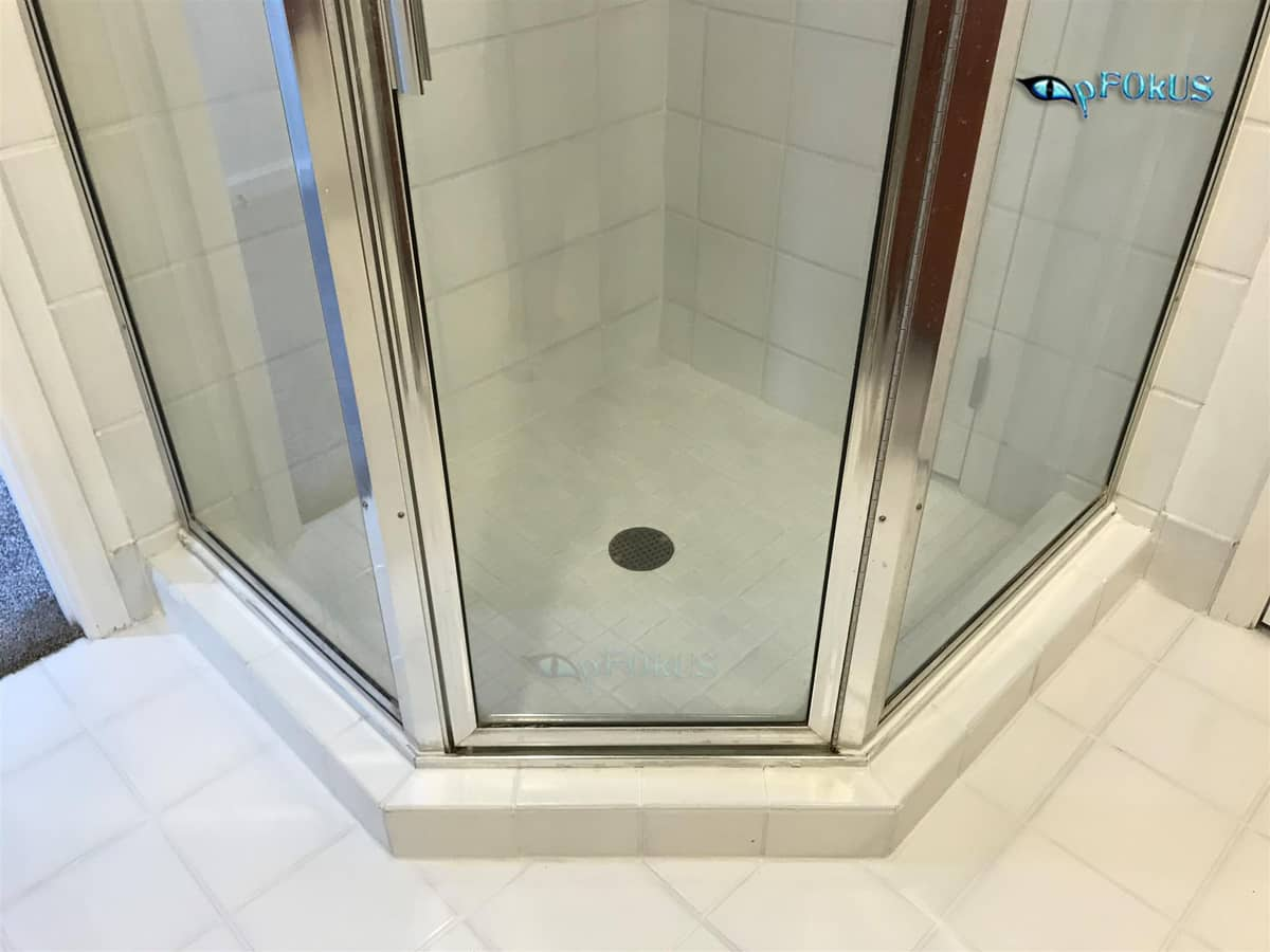 Shower Glass Cleaning and Sealing Products - pFOkUS
